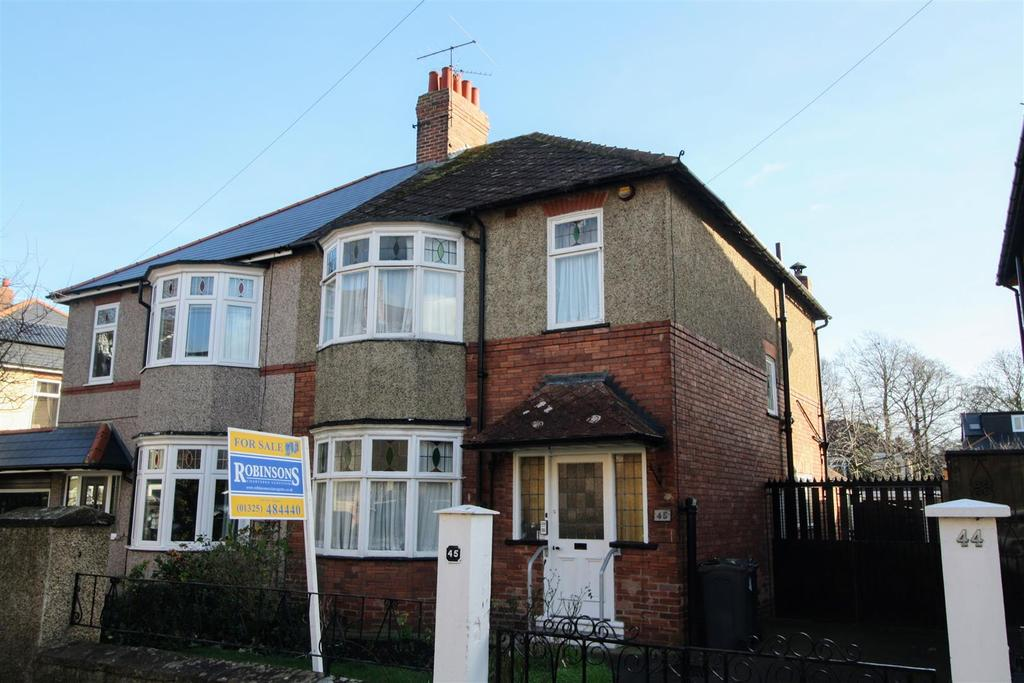 3 Bedrooms Semi Detached House for sale in Pierremont Crescent, Darlington
