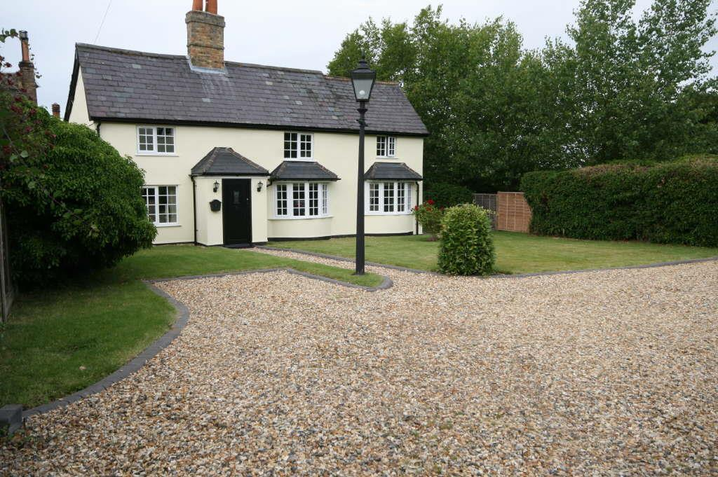4 Bedrooms Detached House for sale in Cottered