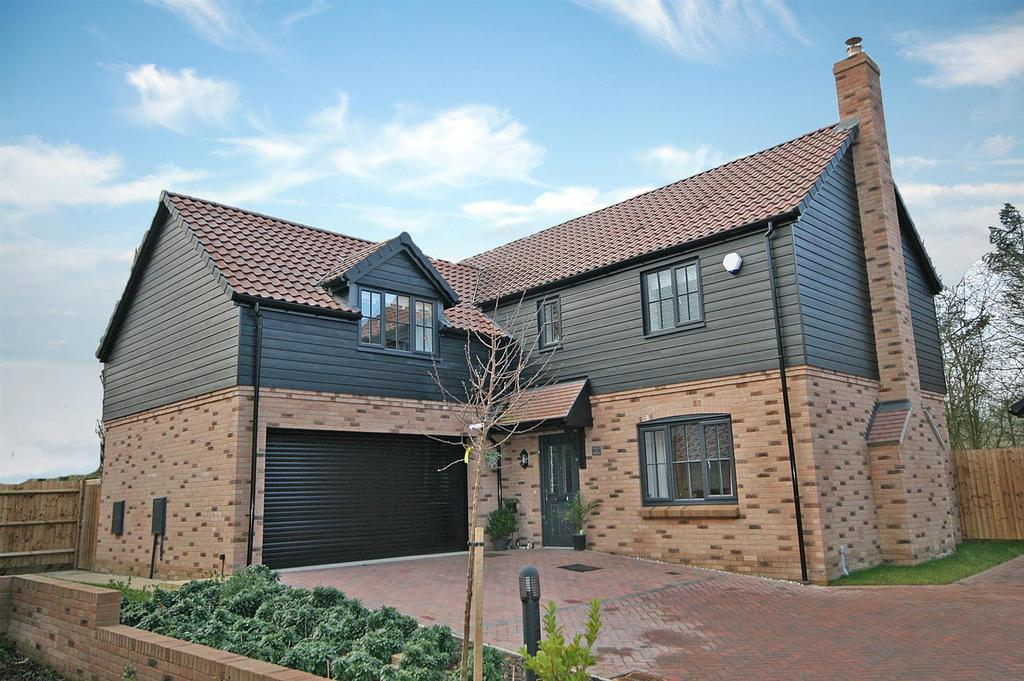 4 Bedrooms Detached House for sale in Applewood, Buntingford
