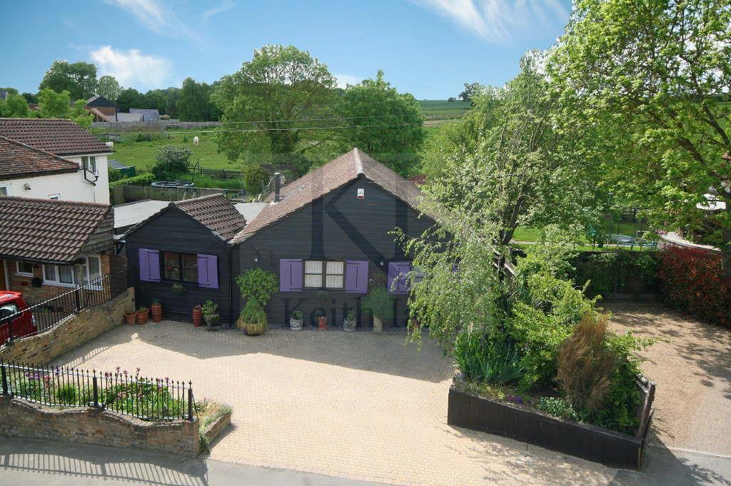 3 Bedrooms Detached House for sale in Cambridge Road, Wadesmill