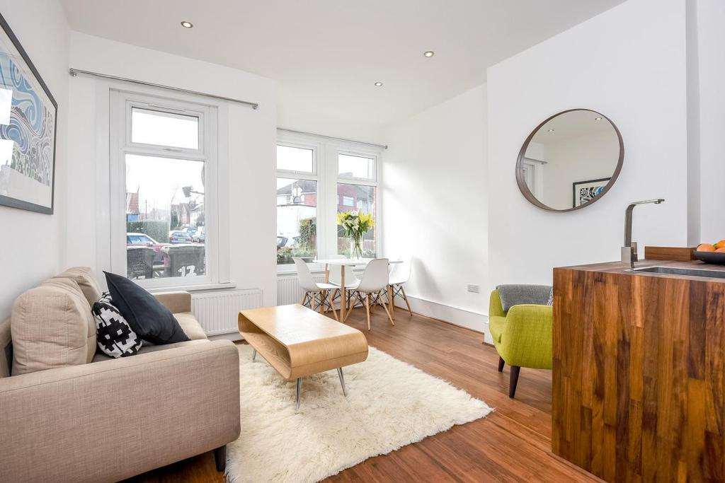 2 Bedrooms Flat for sale in Brockley Grove, Brockley, SE4