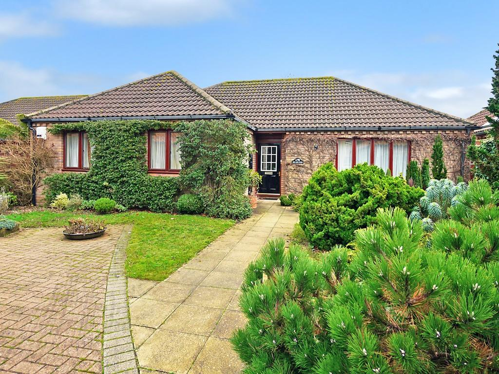 3 Bedrooms Detached Bungalow for sale in Welbourne Way, Barnby, Beccles