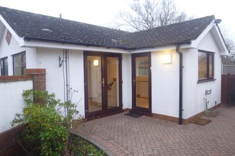 1 bedroom detached bungalow to rent - Warwick Road, Knowle