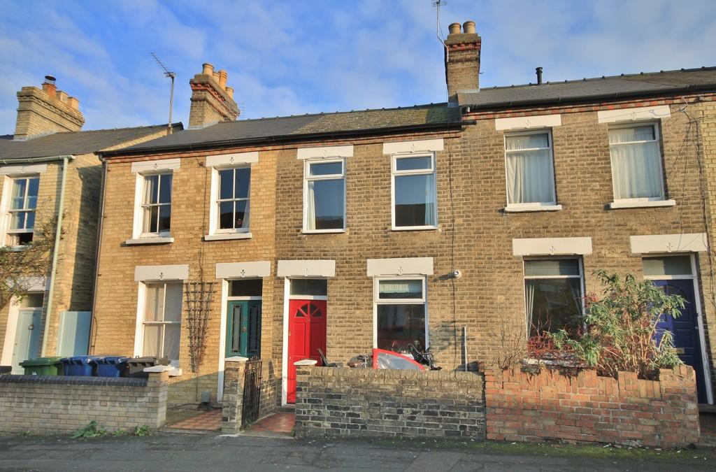 3 Bedrooms Terraced House for sale in Godesdone Road, Cambridge