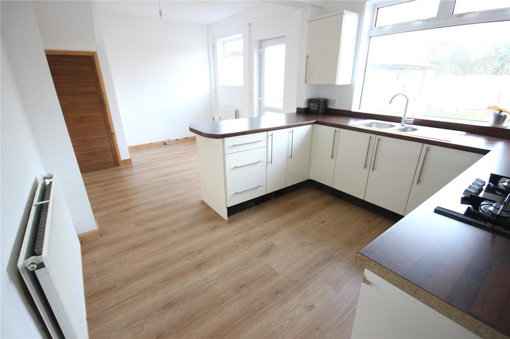 4 Bedrooms Terraced House for rent in Landseer Avenue, Horfield, Bristol, BS7