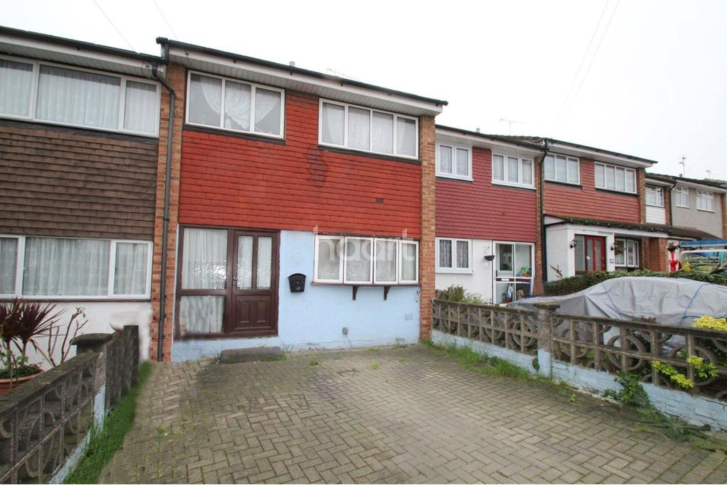3 Bedrooms Terraced House for sale in Toft Avenue, Grays, RM17