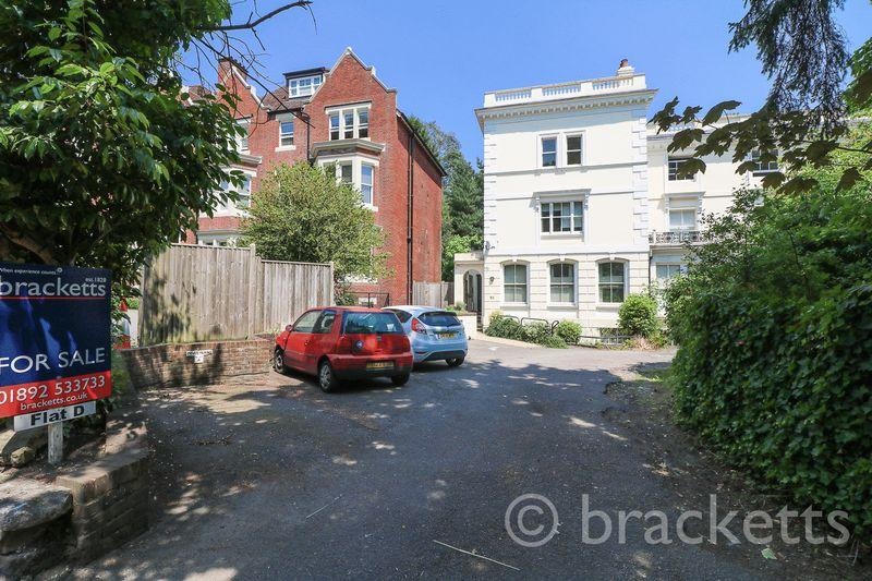 2 Bedrooms Apartment Flat for sale in London Road, Tunbridge Wells