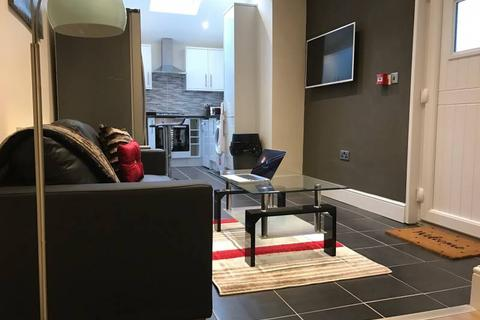6 bedroom house - Brailsford Rd, Fallowfield, Manchester m14