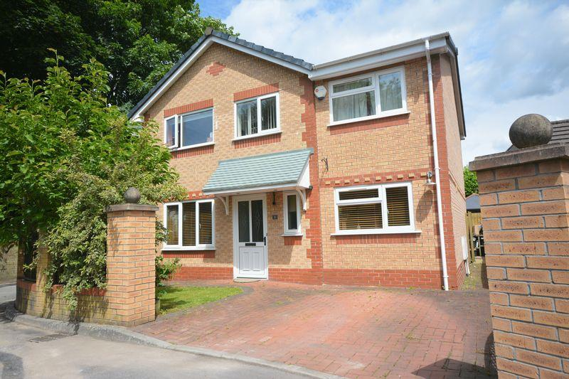 4 Bedrooms Detached House for sale in Morgan Court, Bridgend