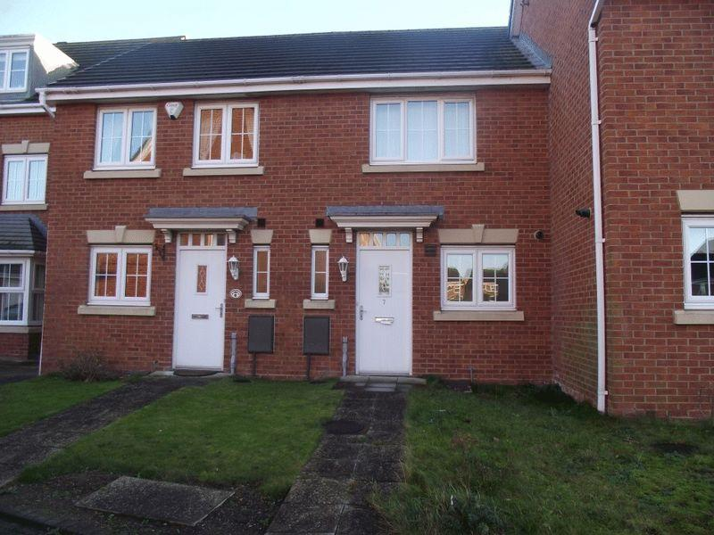 2 Bedrooms Terraced House for sale in Manor Court, Newbiggin-By-The-Sea - Two Bed Terraced Property