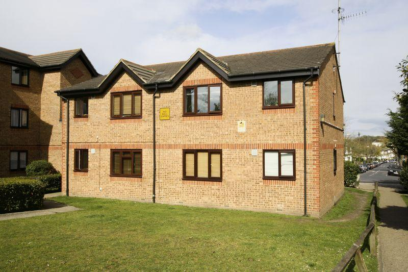1 Bedroom Apartment Flat for sale in Inverine Road, Charlton