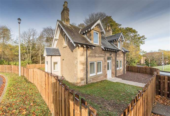 4 Bedrooms Detached House for sale in Kenilworth Dingleton, Melrose, TD6 9HW