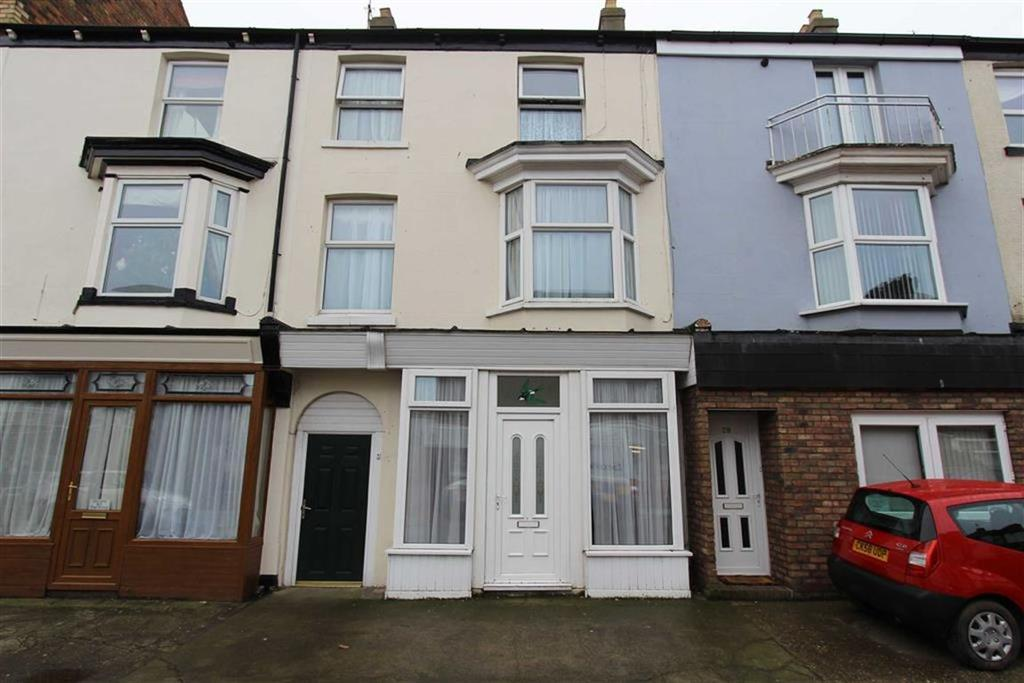 3 Bedrooms Terraced House for sale in West Street, Bridlington, East Yorkshire, YO15