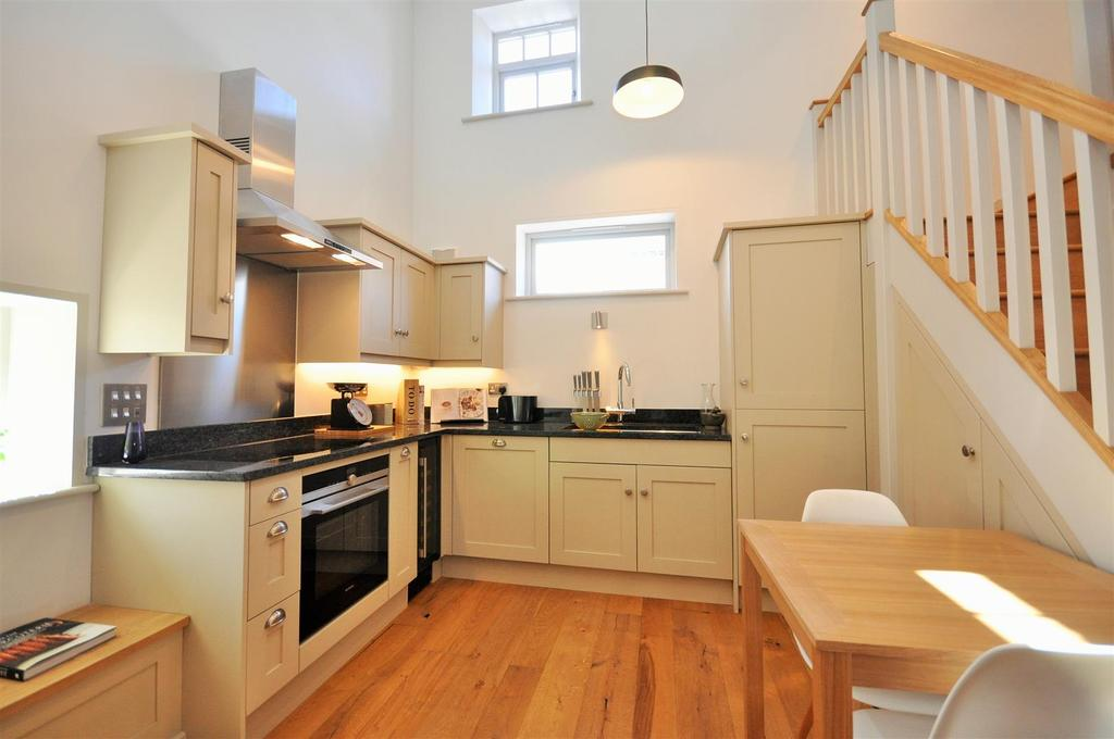 3 Bedrooms Town House for sale in 1 Clementhorpe Maltings, Lower Ebor Street, York