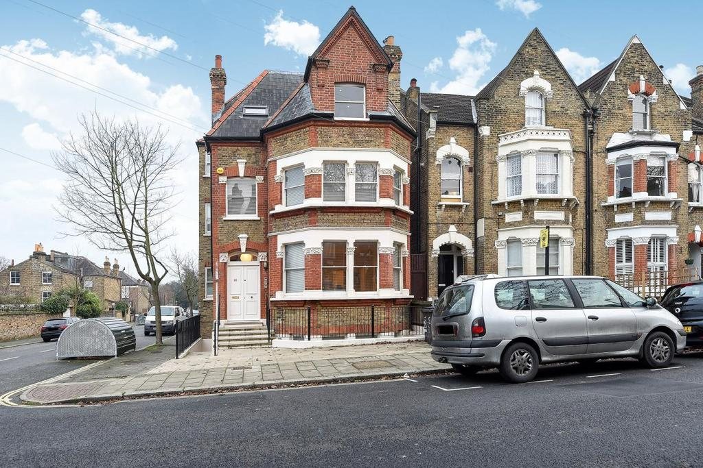 2 Bedrooms Flat for sale in Deronda Road, Herne Hill, SE24