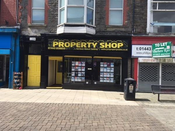 2 Bedrooms Terraced House for sale in MASSIVE RENTAL YIELD IN TONYPANDY
