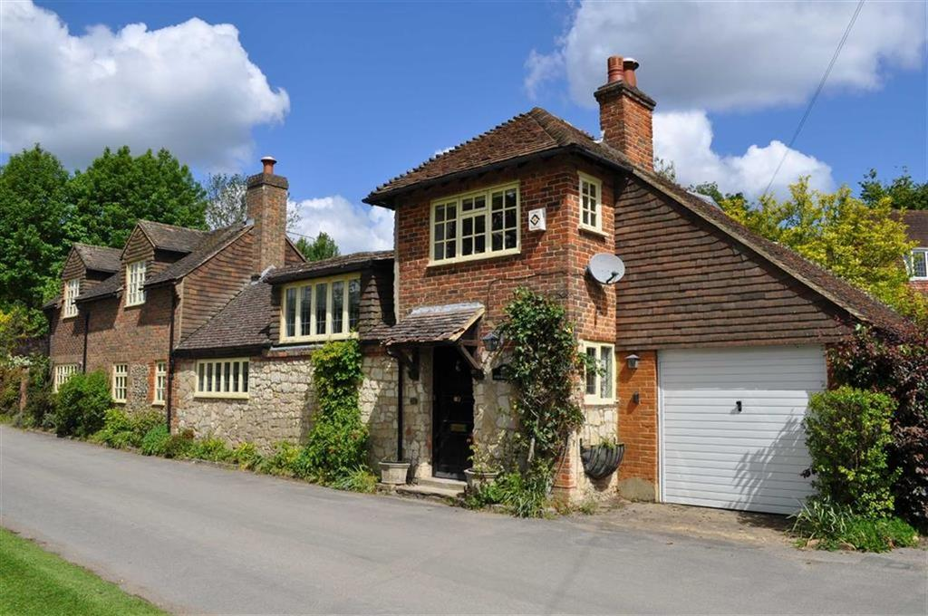 2 Bedrooms Detached House for sale in Old Park Lane, Farnham, Surrey