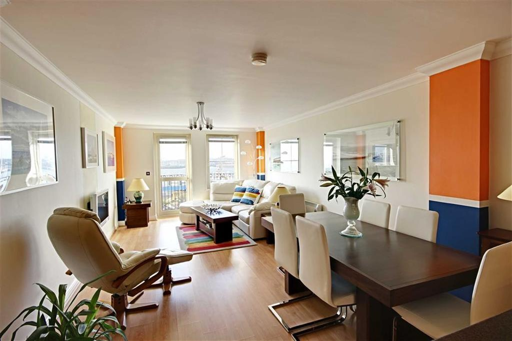 2 Bedrooms Flat for sale in Ferry Approach, South Shields, Tyne Wear