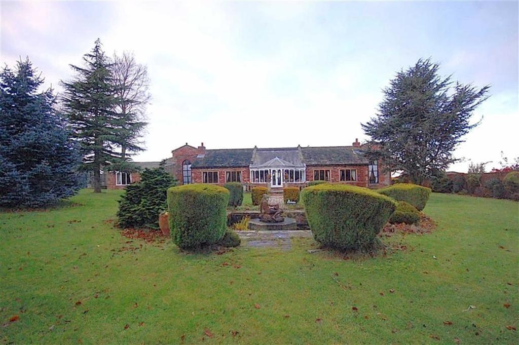 4 Bedrooms Detached House for sale in Denby Grange Lane, Denby Grange, WF4