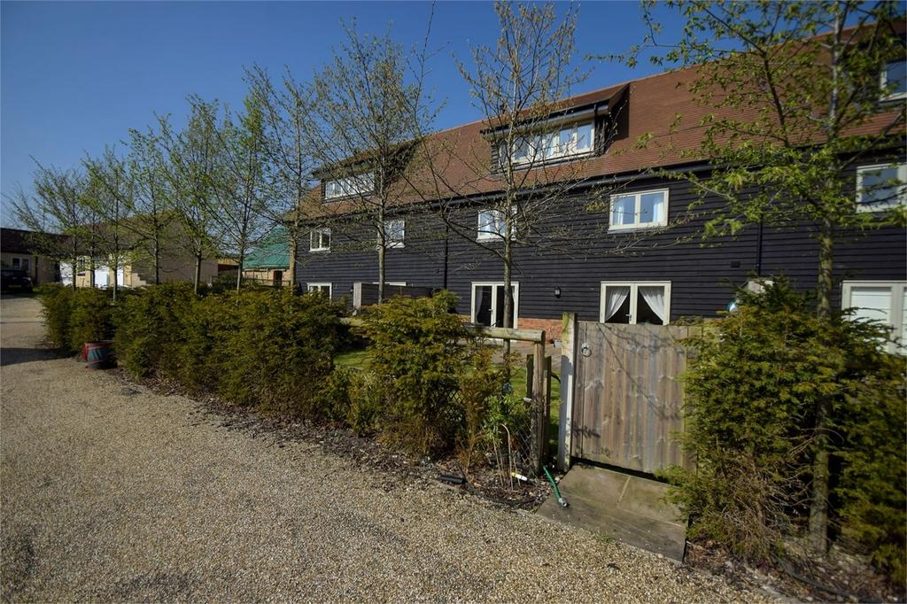 3 Bedrooms Mews House for sale in The Courtyard, Flexcombe, Liss, Hampshire