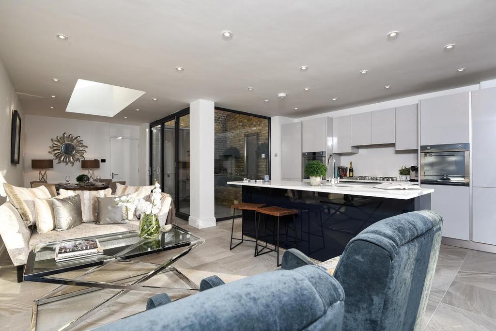 2 Bedrooms Flat for sale in Castlebar Road, Ealing, W5
