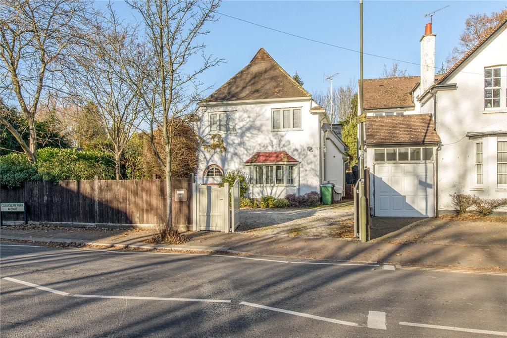 4 Bedrooms Detached House for sale in Cassiobury Park Avenue, Watford, Hertfordshire, WD18