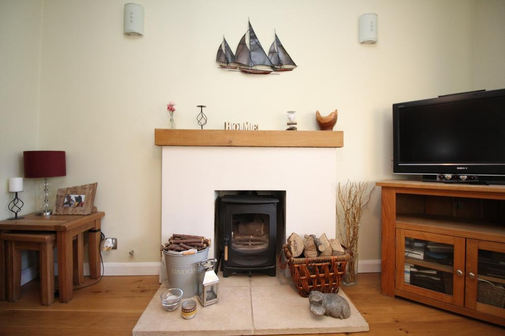 4 Bedrooms Detached House for sale in Woodlands Close, Sarisbury Green