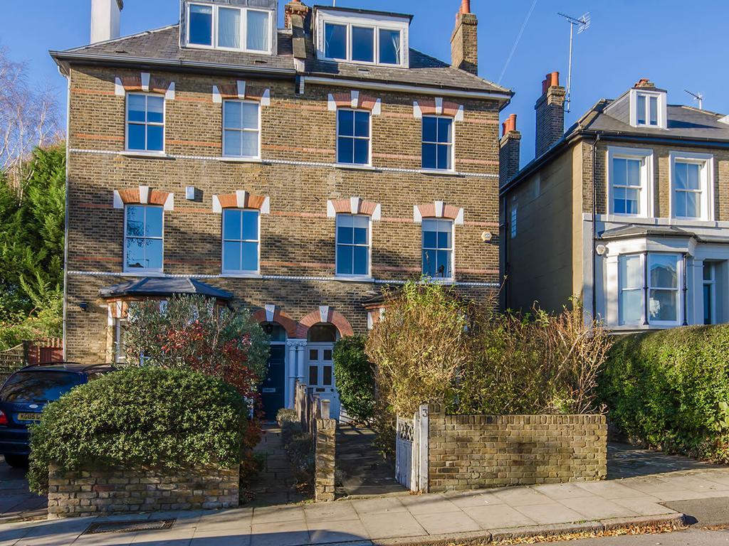 6 Bedrooms Semi Detached House for sale in Eastern Road, N2