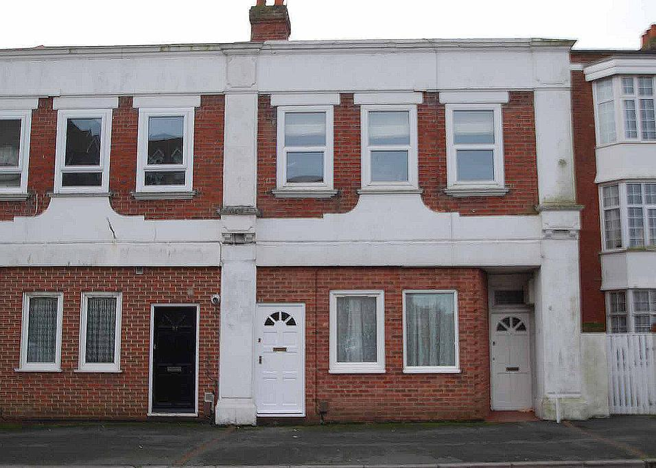 1 Bedroom Ground Flat for sale in Belle Vue Road, Bournemouth, BH6