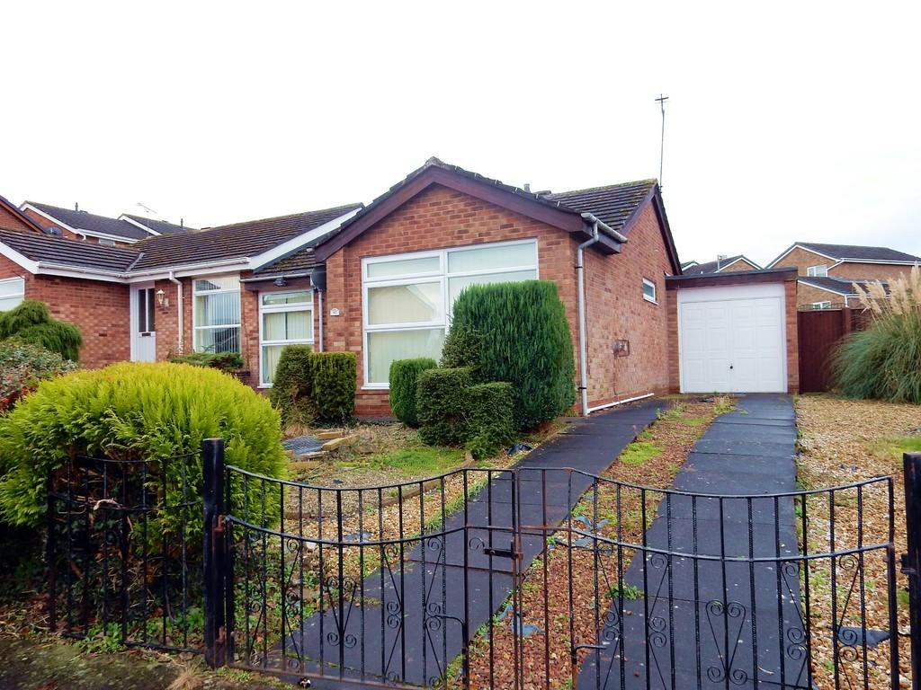 2 Bedrooms Semi Detached Bungalow for sale in Castlesteads Drive, Carlisle