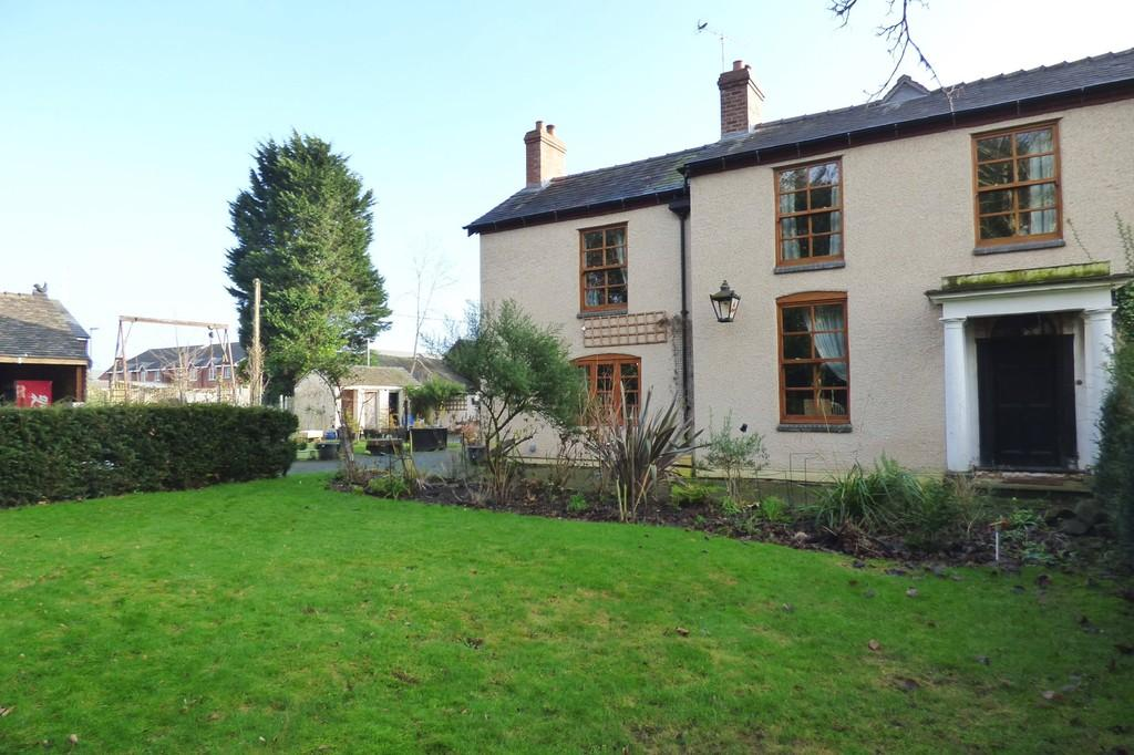 3 Bedrooms Detached House for sale in Saltworks Lane, Weston, Stafford