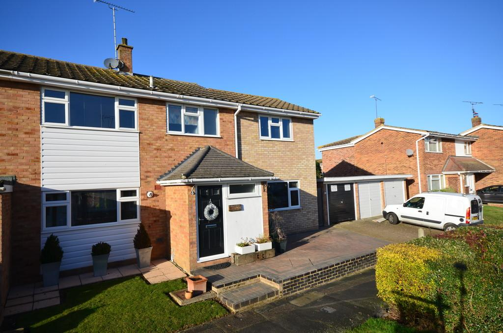 4 Bedrooms End Of Terrace House for sale in Hawthorne Rise, Witham