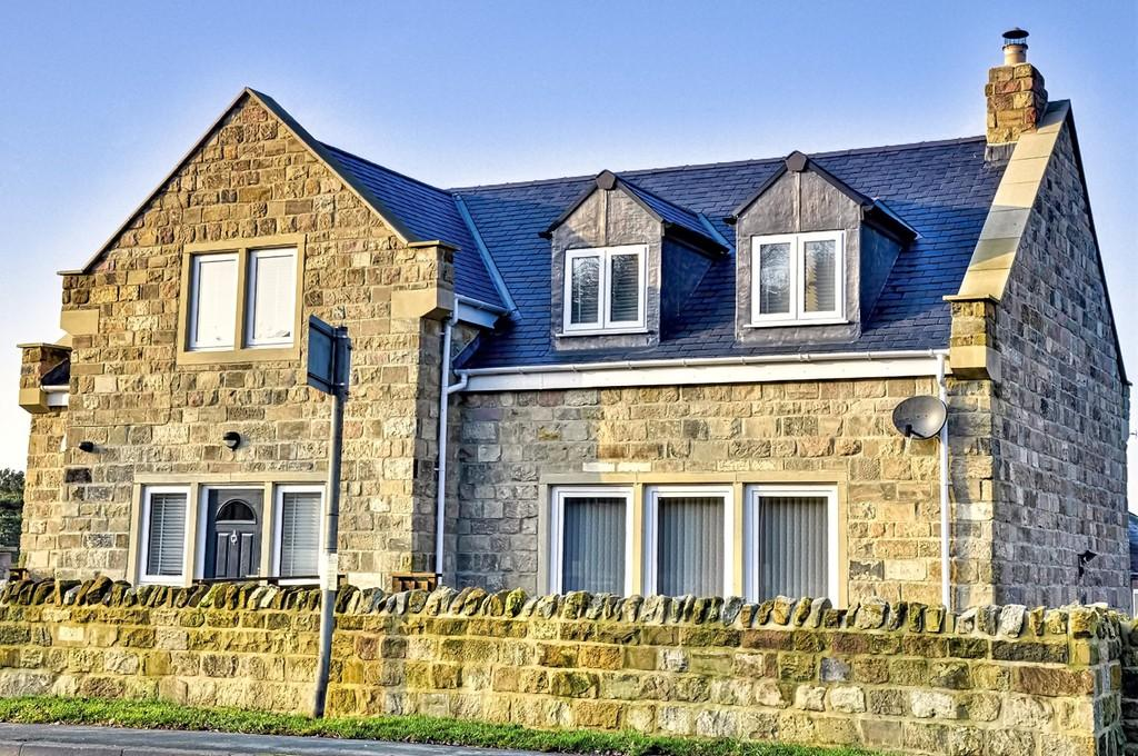 4 Bedrooms Detached House for sale in Mool House, Keswick Lane, Bardsey, LS17 9BA