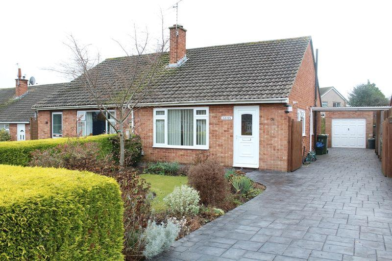 2 Bedrooms Semi Detached Bungalow for sale in Wentworth Close, Bayston Hill, Shrewsbury, SY3 0PE