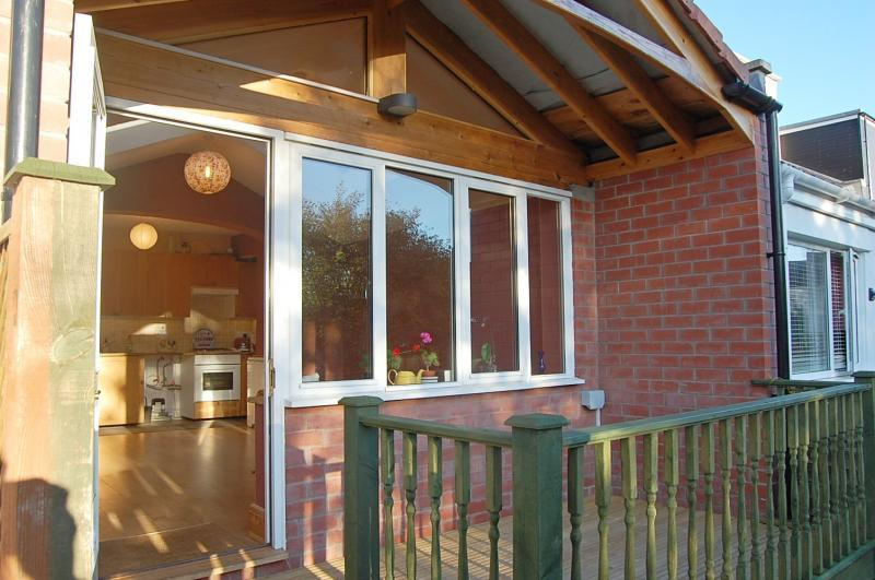 2 Bedrooms Terraced House for sale in Long Ashton