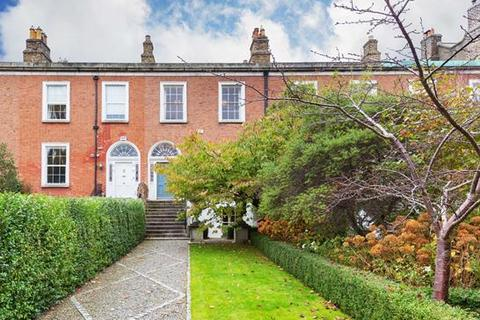4 bedroom house  - 57 Wellington Road, Ballsbridge, Dublin  4