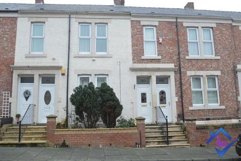 3 bedroom flat - Windsor Avenue, , Gateshead, NE8