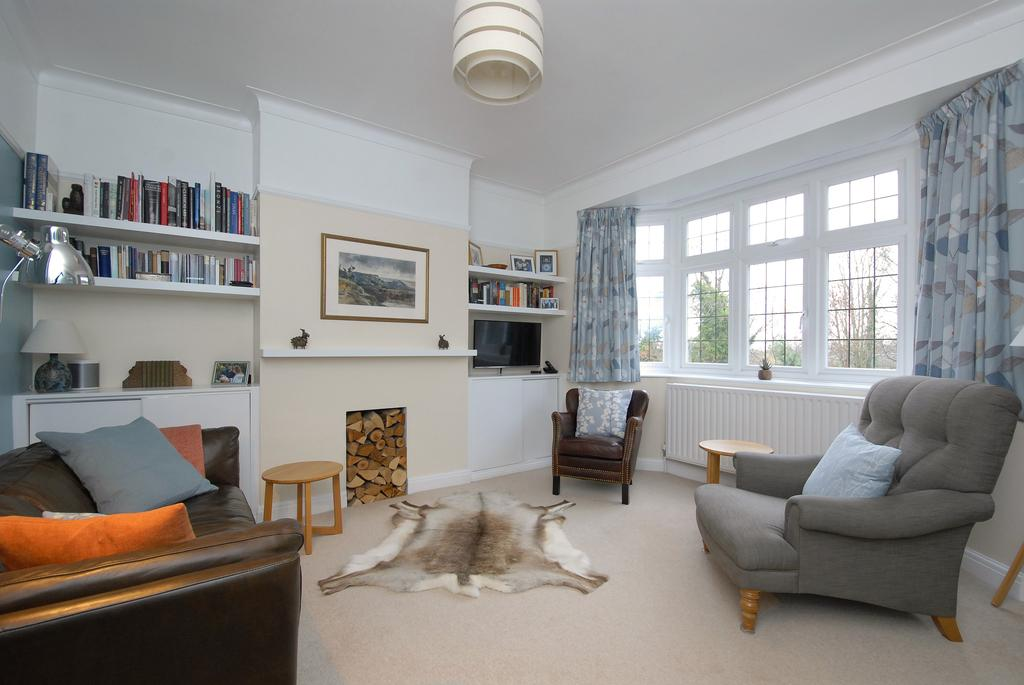 3 Bedrooms Flat for sale in Underhill Road ,