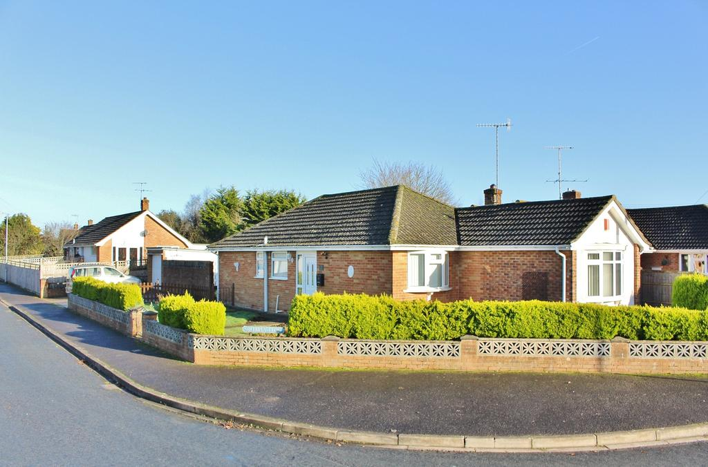 3 Bedrooms Detached Bungalow for sale in DOWNTON