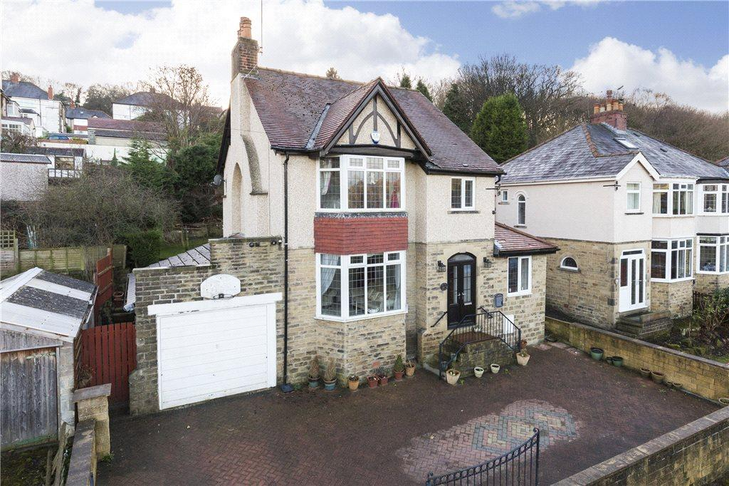 4 Bedrooms Detached House for sale in Ashfield Avenue, Bradford, West Yorkshire