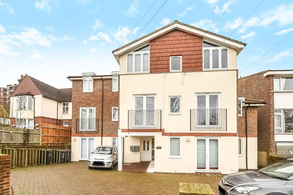 2 Bedrooms Flat for sale in Bampton Road, Forest Hill, SE23