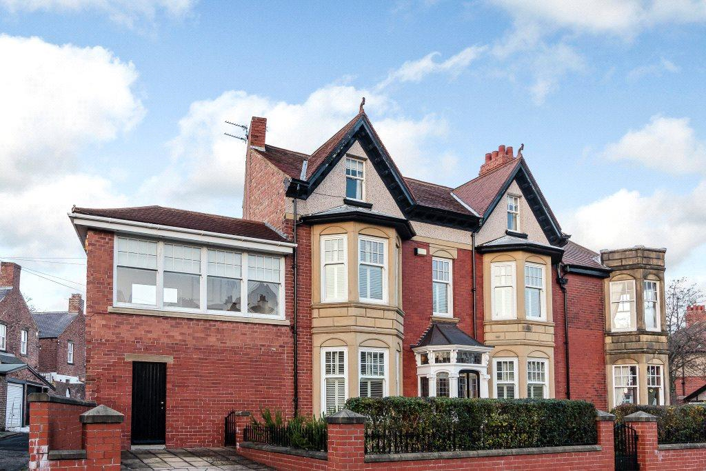 5 Bedrooms Terraced House for sale in Moor Crescent, Gosforth, Newcastle Upon Tyne, Tyne And Wear