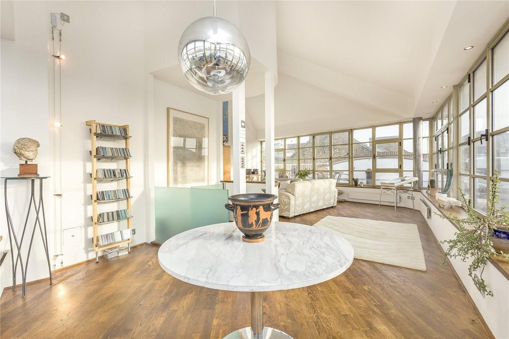 3 Bedrooms Flat for sale in The Circle, Queen Elizabeth Street, London