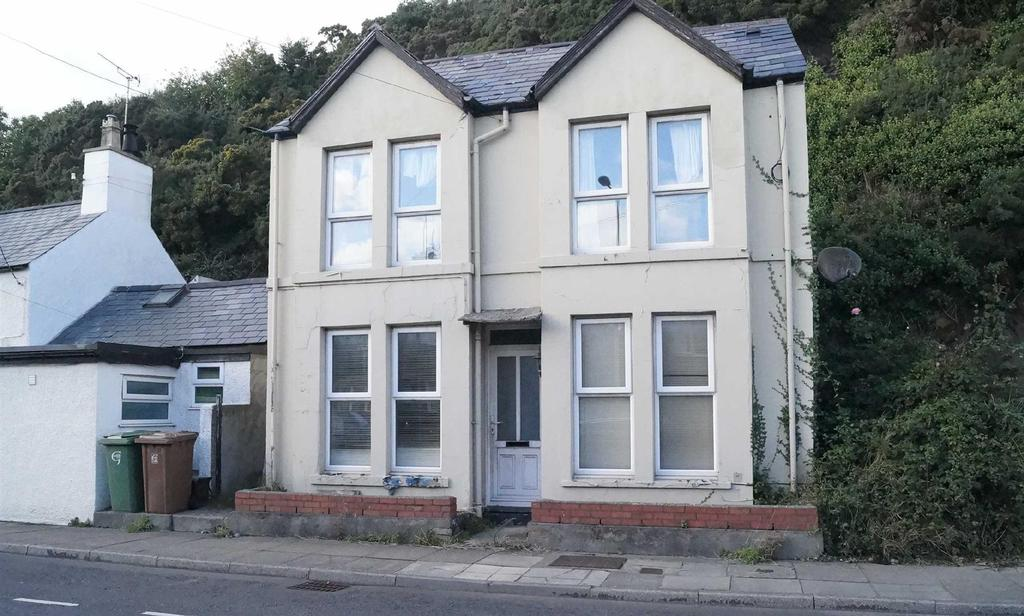 2 Bedrooms Detached House for sale in Abererch Road, Pwllheli