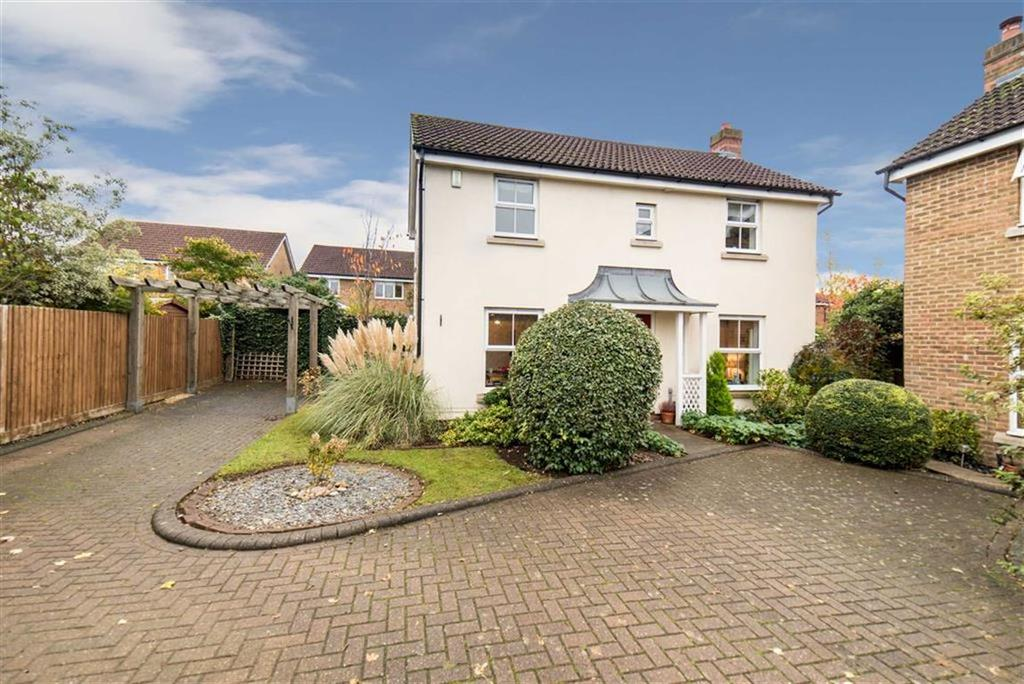 3 Bedrooms Detached House for sale in Church Croft, St Albans, Hertfordshire