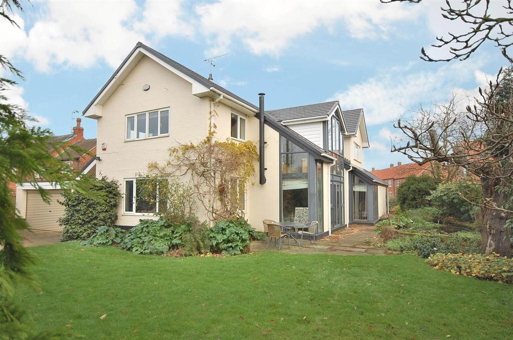 4 Bedrooms Detached House for sale in West Street, Shelford