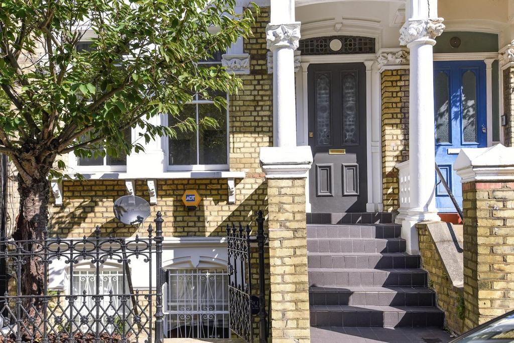 2 Bedrooms Flat for sale in Gwendwr Road, West Kensington