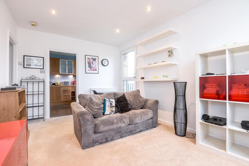 1 Bedroom Flat for sale in Casterbridge Road, Blackheath, SE3