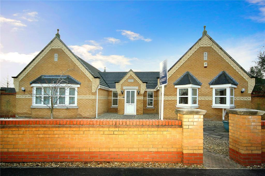 4 Bedrooms Detached Bungalow for sale in Oak Way, Heckington, Sleaford, Lincolnshire, NG34