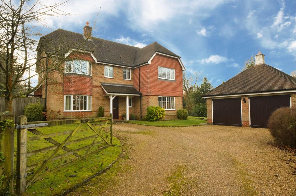 5 Bedrooms Detached House for sale in Plantation Road, LiSS, Hampshire, England